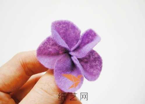 手工布花制作图解 超简单的三分钟手工布艺花朵制作教程